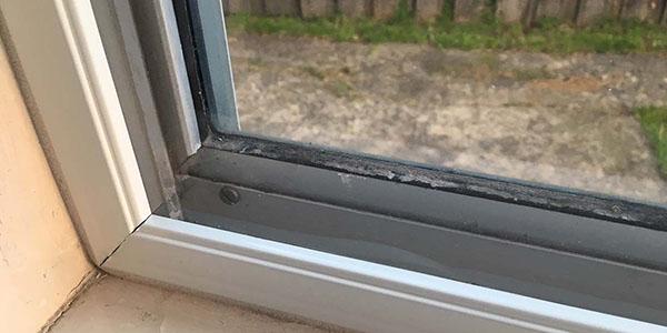 insulating aluminium windows